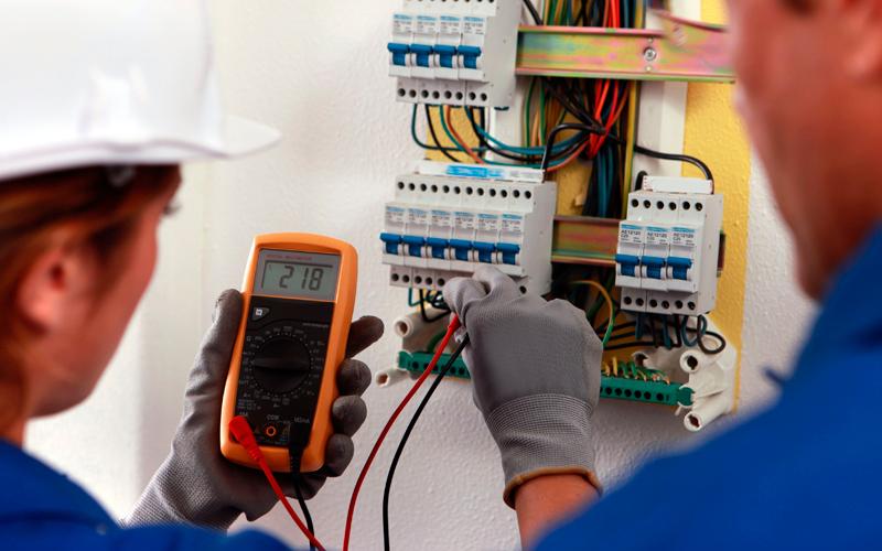 Electricidad for Trabajo de electricista en malaga